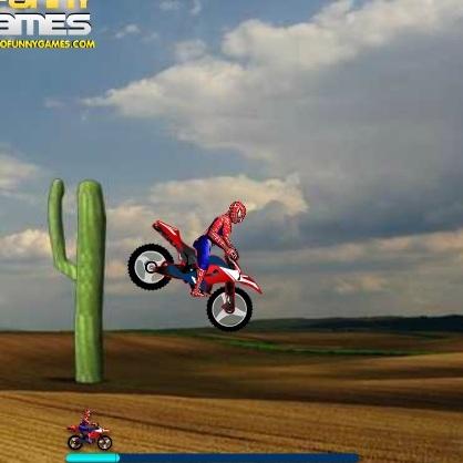 Человек-паук мотокросс в пустыне