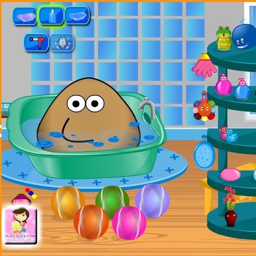 Pou купается в ванную